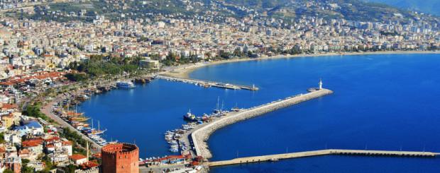 Panoramablick, Hafen von Alanya und Red Tower