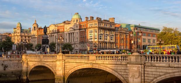 Sonnenaufgang in der O'Connell Street, aufgenommen während einer Städtereise nach Dublin