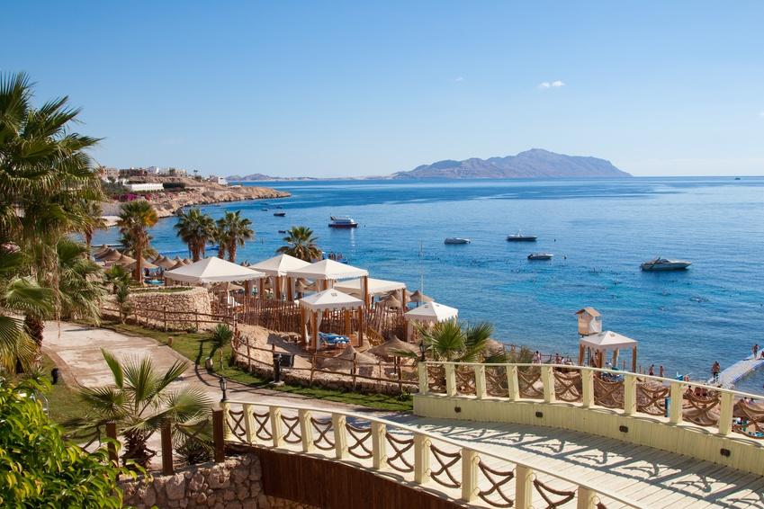 Blick auf das Rote Meer, von der Küste in Hurghada aufgenommen