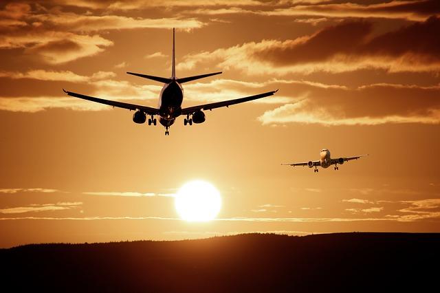 Flughafen Landung Sonnenuntergang