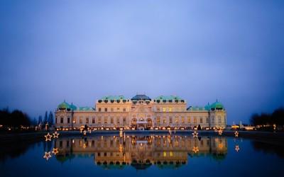 Schloss Belvedere Wien bei Nacht