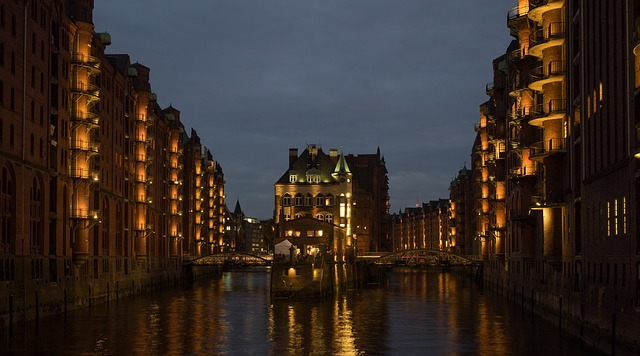 Innenstadt von Hamburg bei Nacht