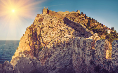 Der Burgberg in Alanya, aufgenommen bei einem Urlaub an der Türkischen Riviera